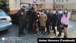 Участники акции «Підвези_лікаря_Донеччина»