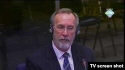 Barry Hogan na suđenju Karadžiću