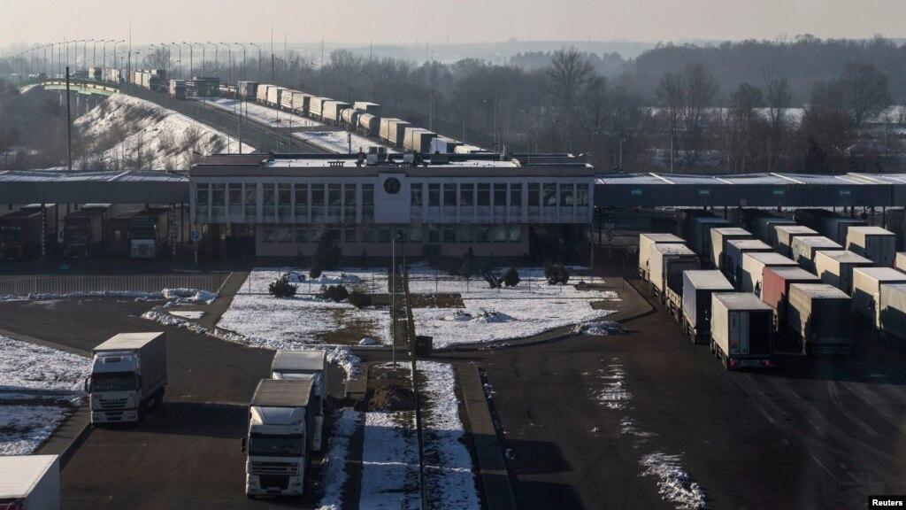 Між Росією і Польщею припинилися вантажоперевезення