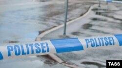 Около школы в эстонском городе Вильянди, где в понедельник ученик застрелил учительницу