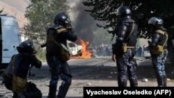 Кой-Таш айылындагы мурдагы президент Алмазбек Атамбаевди кармоо операциясы. 9-август, 2019-жыл.
