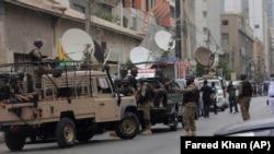 د پاکستان امنیتي چارواکي وايي، دې وسله والو د سند صوبې په حساسو ځایونو کې د بریدونو پلان درلوده. ارشیف- انځور