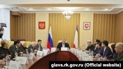 Зустріч членів проросійської «Ради кримськотатарського народу» з Сергієм Аксеновим