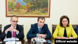 Ален Пиллу на пресс-конференции в Кишиневе