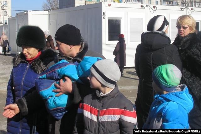Транзитне містечко для переселенців з Донбасу у Павлограді