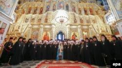 Митрополит Онуфрий и члены Священного Синода УПЦ (МП) во время избрания нового главы Украинской Церкви
