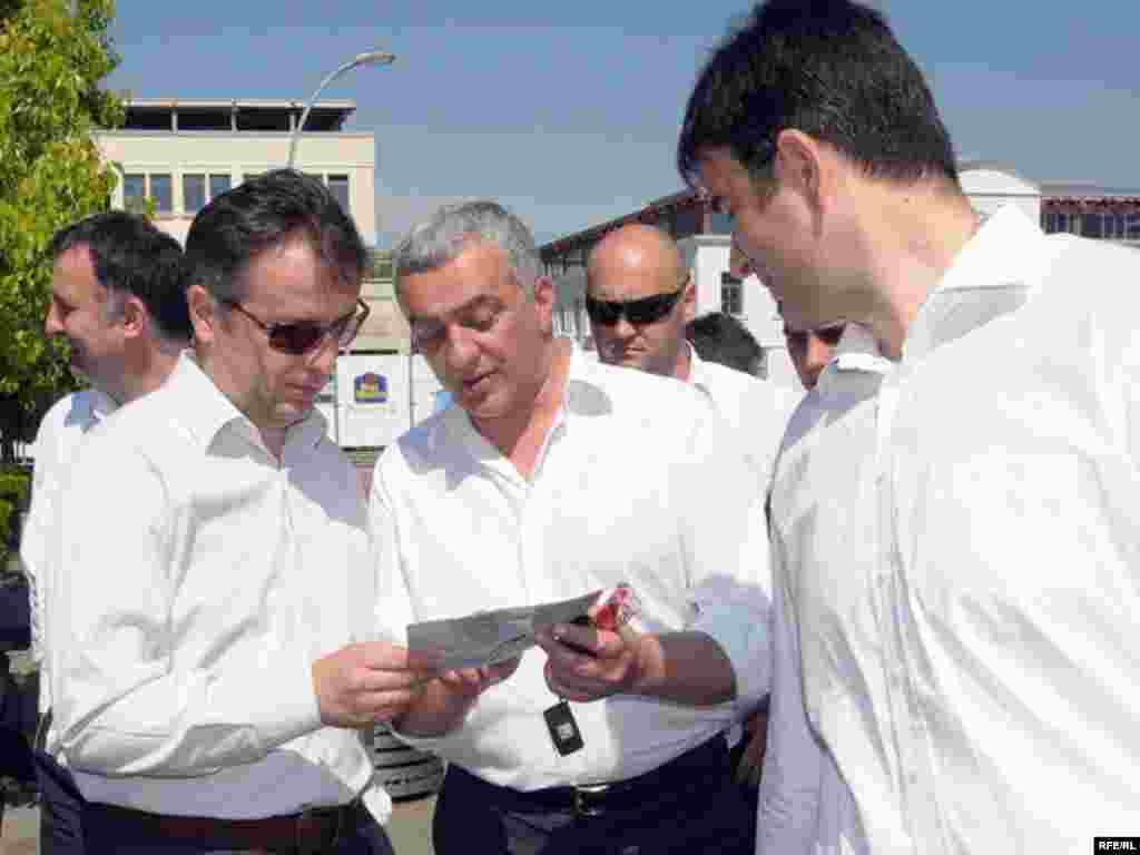 Nebojša Medojević (PzP), Andrija Mandić (NOVA) i Goran Danilović (NOVA) - Foto: Savo Prelević