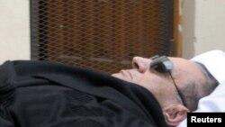 Бывший президент Египта Хосни Мубарак, 5 января 2012