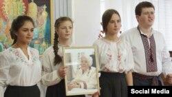 В Крыму почтили память Героя Украины Веры Роик