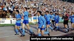 Круг почета футболистов ФК «Таврия» на львовском стадионе после победы над «Динамо», 1992 год