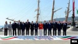 Архива: Премиерот Зоран Заев присуствува на Самитот за Западен Балкан во Трст.