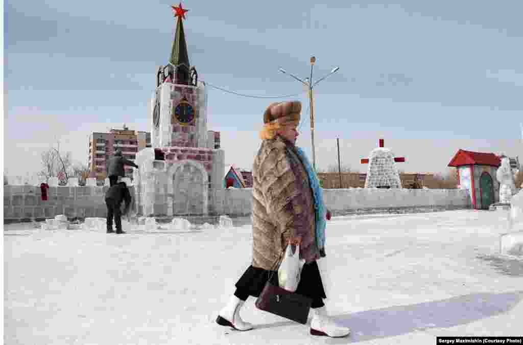 A model of the Kremlin built from ice, 2006