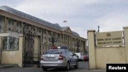 Сегодняшние судебные слушания по делу Аюба Борчашвили опять прошли в закрытом режиме. Журналистам из-за засекреченности части материалов вновь пришлось покинуть зал заседания