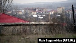 Вид на югоосетинскую столицу (архивное фото)