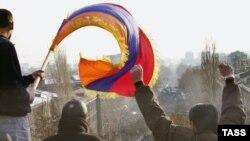 Ekspertlər hesab edir ki, Ermənistanda seçki kampaniyası olduqca sönük keçir