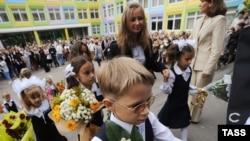 Родители не согласны с планами чиновников решать без учета их мнения вопросы о реорганизации школ