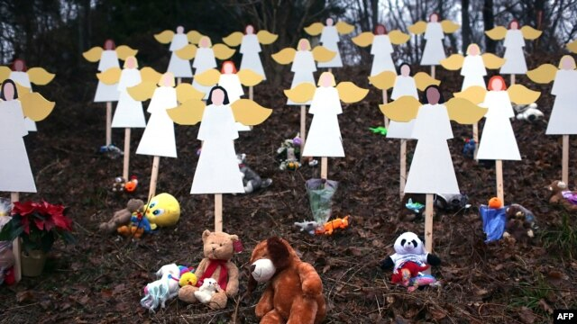 Makeshift memorials have sprung up in Newtown, Connecticut, to honor the victims of the December 14 massacre.
