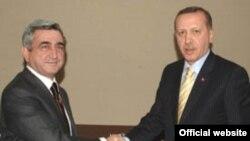 Armenian President Serzh Sarkisian (left) with Turkish Prime Minister Recep Tayyip Erdogan in January