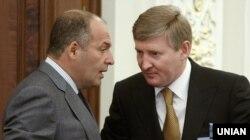 Українські олігархи Віктор Пінчук (ліворуч) і Рінат Ахметов