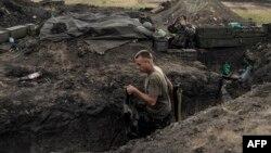 Українські солдати недалеко від міста Щастя, Луганська область, 18 серпня 2014 року