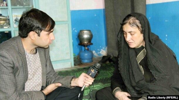 شرمیلا آموزشهای مسلکی را در روسیه، ترکیه و هند فرا گرفتهاست.