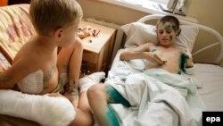 Андрій і Дмитро у лікарні в Донецьку, 15 серпня 2015 року