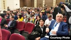 7-азаматтық форумға келген үкіметтік емес ұйымдар өкілдері. Астана, 25 қараша 2016 жыл.