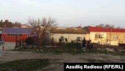 Xəzər sahilində bağ evləri