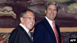 Aмериканскиот државен секретар Џон Кери и рускиот министер за надворешни работи Сергеј Лавров