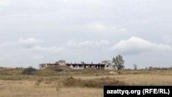 Место бывшего уранового рудника близ села Калачи Акмолинской области. 7 сентября 2014 года.