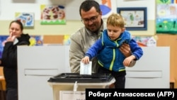 Гласање во вториот круг од претседателските избори во 2019 година.