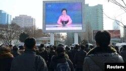 تلویزیونهای تبلیغاتی کره شمالی خبر آزمایش جدید هستهای را برای مردم پایتخت این کشور پخش میکنند.