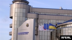 Новый и красивый Дом футбола в Киеве в течение некоторого времени жил весьма напряженной жизнью