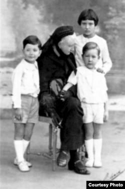 Прынц Дзьвюх Сыцыліяў Антоніё дэ Бурбон (ніжні справа) разам з Магдаленай Радзівіл