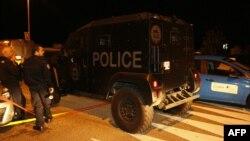 Forțele speciale de poliție franceze RAID în timpul atacului de la Magnanville...