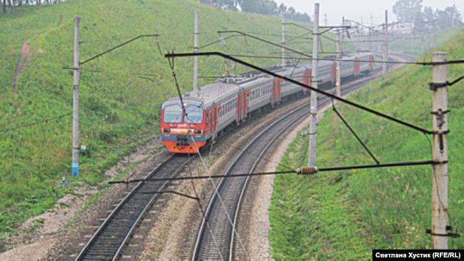 Поезд на станции Минино