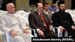 سعد متي بطرس وعدد من رجال الدين المسيحيين في البصرة