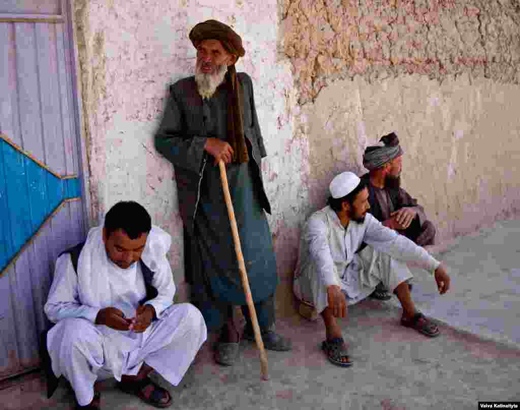 Balkh has not been shielded from the violence. Agha Jan, an elderly farmer from Balkh's Chimtal district, moved to the outskirts of Mazar-e Sharif three months ago.
