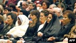 همسران رهبران عرب؛ اسماء اسد (سومین از راست) و رانیه عبدالله (چهارمین از راست)