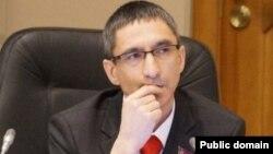 Динар Абукин