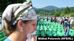 Перепоховання останків 613 жертв, розстріляних в Сребрениці у 1995 році