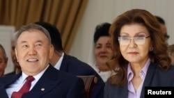 Президент Казахстана Нурсултан Назарбаев и его дочь Дарига. 1 мая 2016 года.