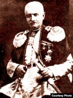 Mirzə Fətətli Axundov.