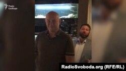 Журналісти помітили Коломойського в одному з ресторанів Києва в компанії його бізенс-партнера Боголюбова та депутатів «Відродження»