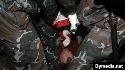 Архіўнае фота, затрыманьне на акцыі салідарнасьці ў 2008 годзе