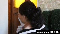 Женщина со своим малышом в шымкентском «Доме мамы». 24 апреля 2017 года.