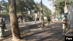 منابع پزشکی هرات مرگ دستکم یک نفر در جریان درگیریهای صبح روز شنبه مقابل کنسولگری ایران را تایید میکنند