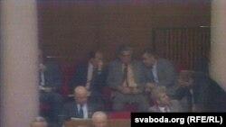 Аляксандар Лукашэнка ў залі пасяджэньня Вярхоўнага Савета, 1991 год