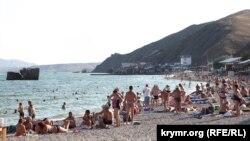 Пляж в Курортном, август 2020 года