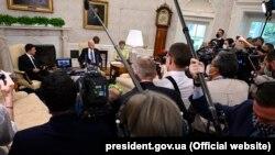 Президент Украины Владимир Зеленский (слева) во время встречи с президентом США Джо Байденом. Вашингтон, 1 сентября 2021 года